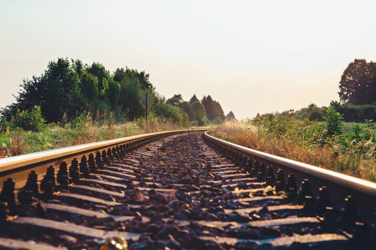 Transport Kolejowy Paczka z Chin
